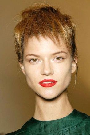 hbz-makeup-trend-ss13-red-lips-prada-lgn