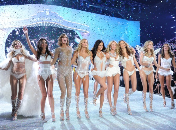rs_1024x759-131113193851-1024.Lily-Aldrige-Karlie-Kloss-Adriana-Lima-Candice-Swanepoel-Bahati-Prinsloo-Alessandra-Ambrosio-Victorias-Secret-Fashion-Show.ms.111313